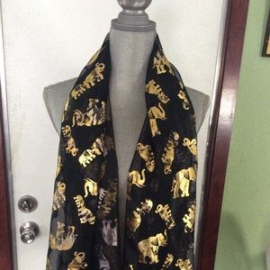 Love elephants 🐘 scarf 🧣